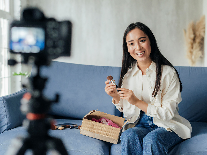 How can women entrepreneurs use YouTube?
